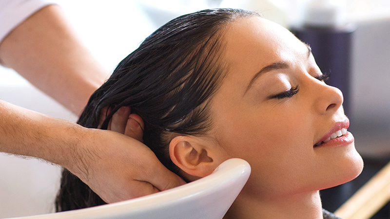 Basic Beauty Services For Grooming That Every Woman